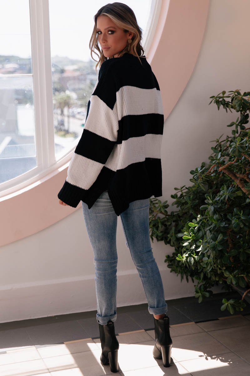 MIMI KNIT - BLACK AND WHITE