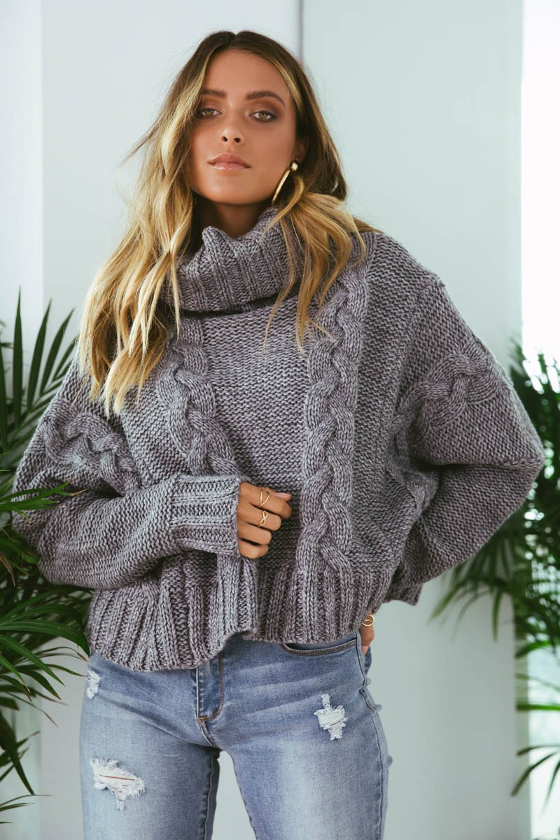 RUBI CABLE KNIT CROP - GREY