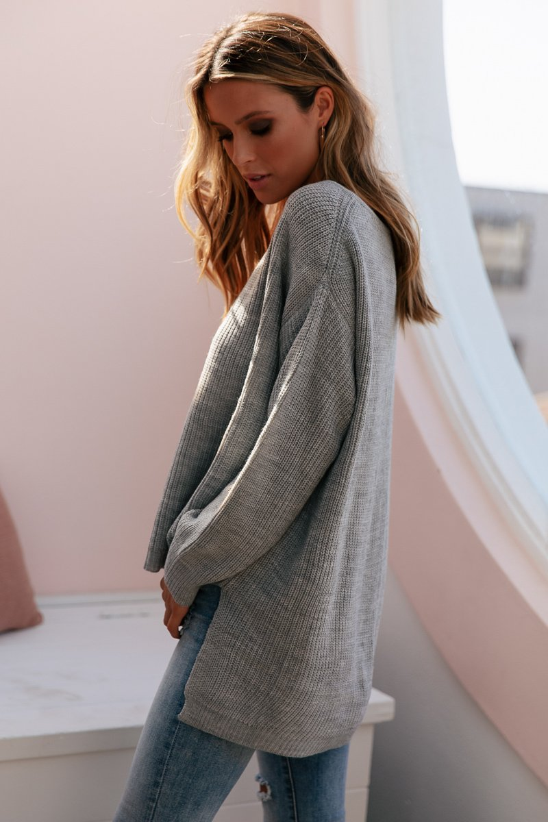 SUNDAY MORNINGS KNIT GREY