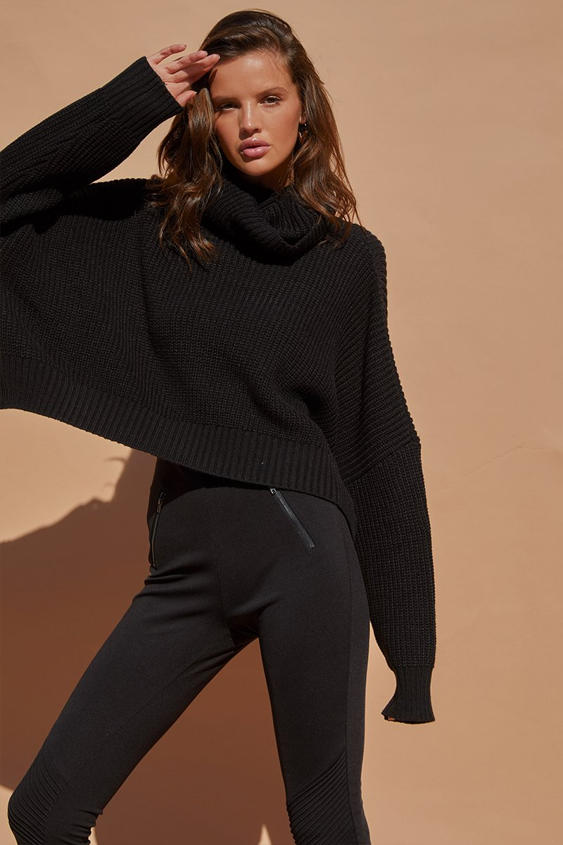 VENUS CROP SWEATER - BLACK