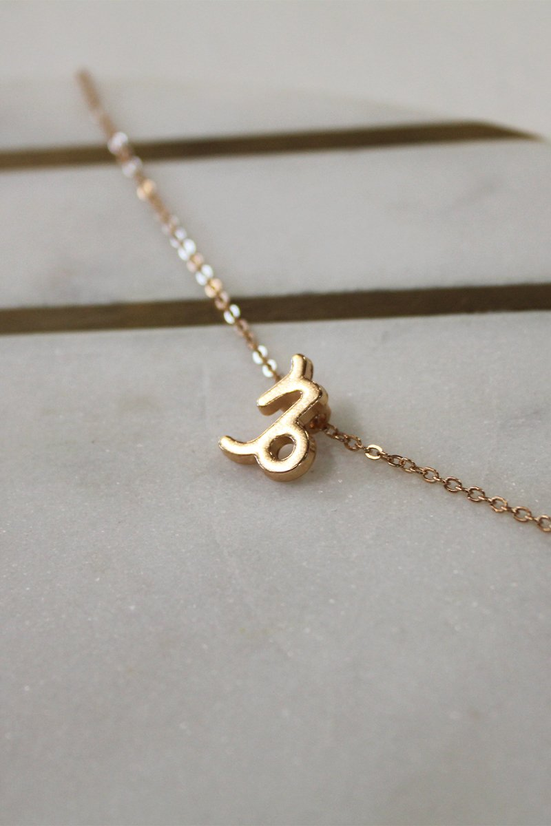 CAPRICORN ZODIAC NECKLACE - GOLD