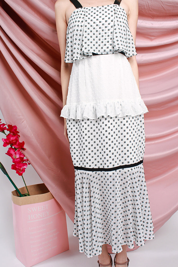 Candace Cupcake Dotted Tier Dress - White / Dotted [XS/S/M/L/XL]
