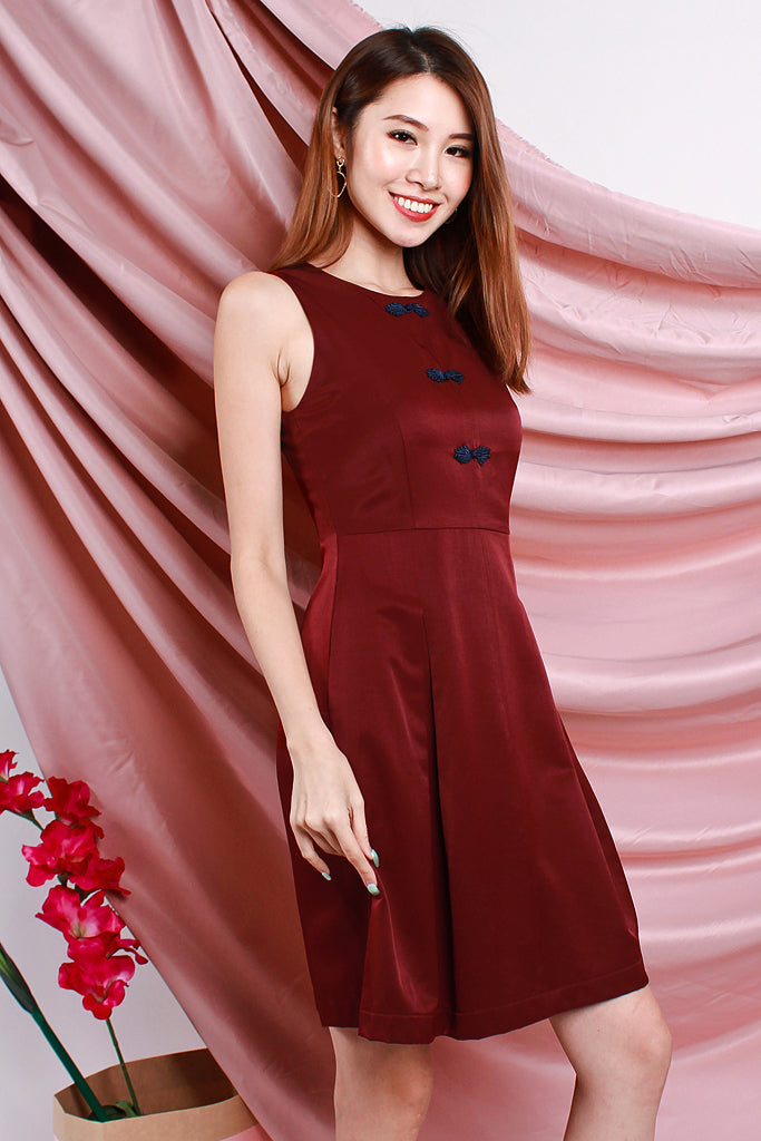 Yan Detachable Mandarin Collar Faux Button Dress - Wine [S/M/L/XL]