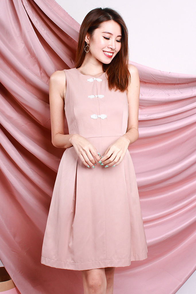 Yan Detachable Mandarin Collar Faux Button Dress - Peach Pink [S/M/L/XL]