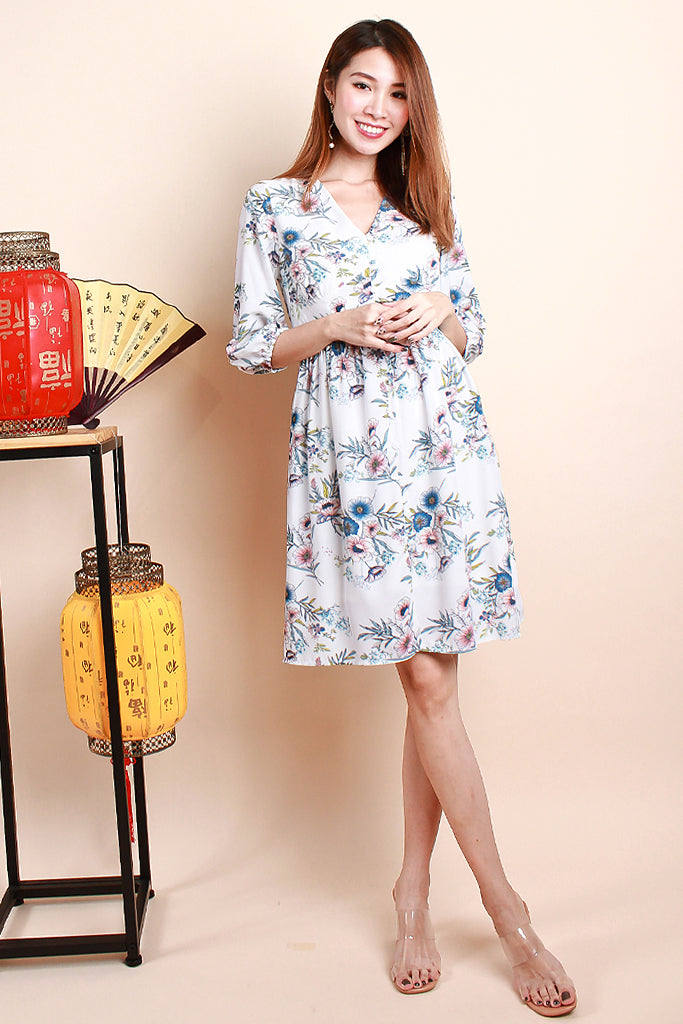 Corey Floral Print Sleeved Dress - White [S/M/L/XL]
