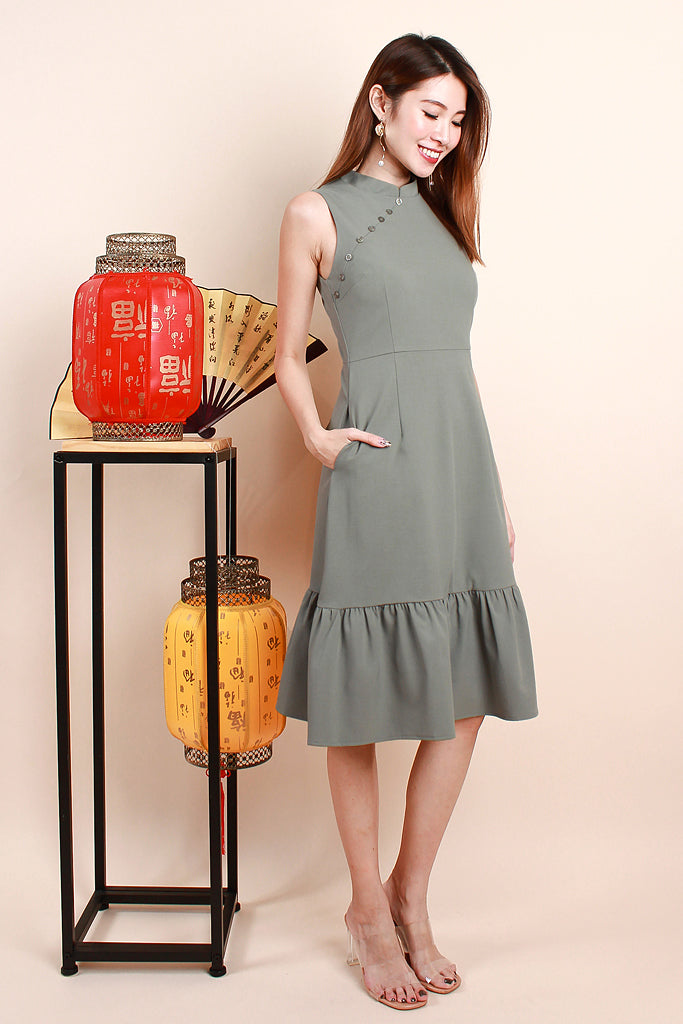 Luli Modern Detachable Collar Buttoned Dress - Sage [S/M/L/XL]