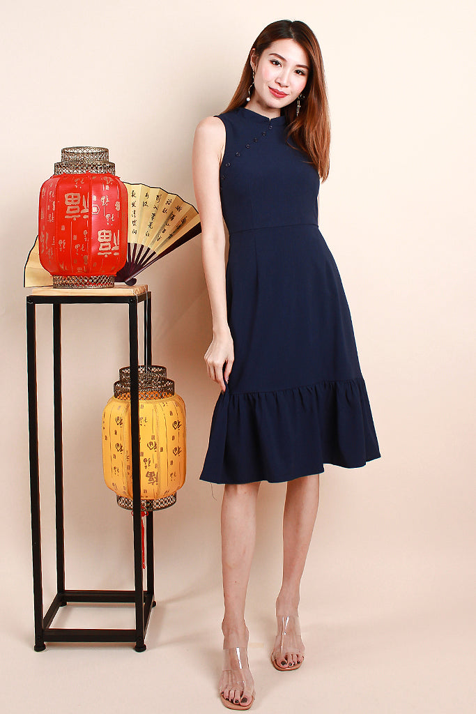 Luli Modern Detachable Collar Buttoned Dress - Navy [S/M/L/XL]