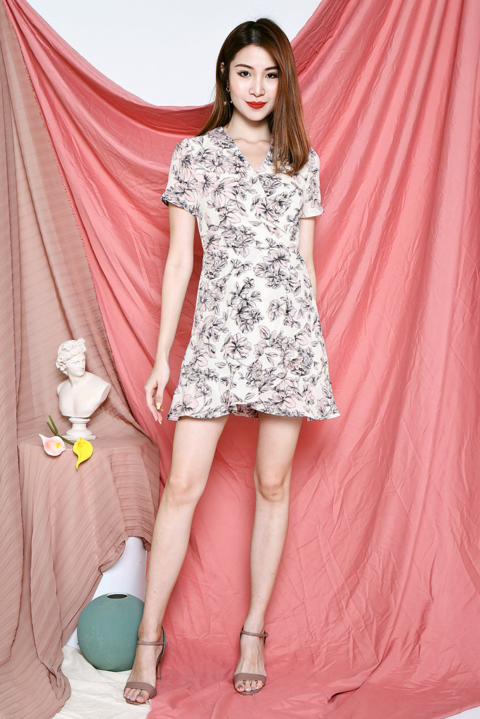 Bindi Floral Sleeved Dress - White [S/M/L/XL]