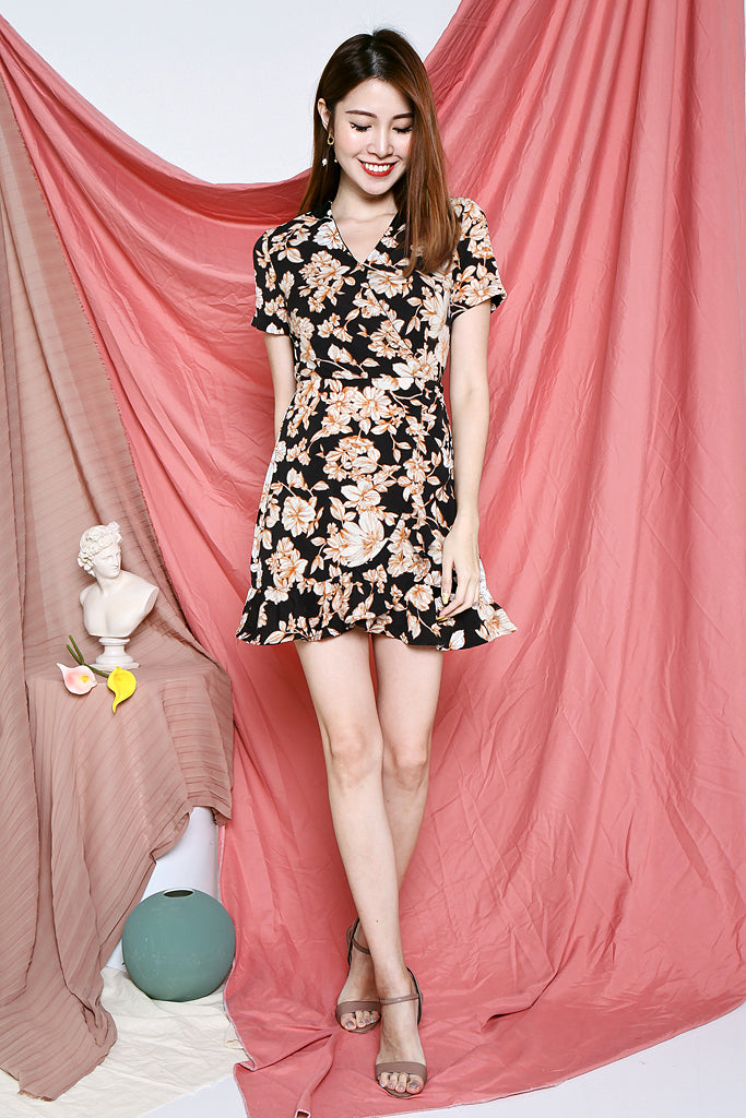 Bindi Floral Sleeved Dress - Black [S/M/L/XL]