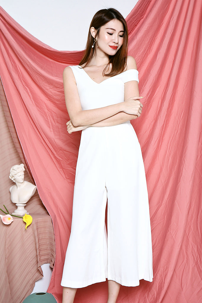 Melania Off-shoulder Jumpsuit - White [S/M/L]