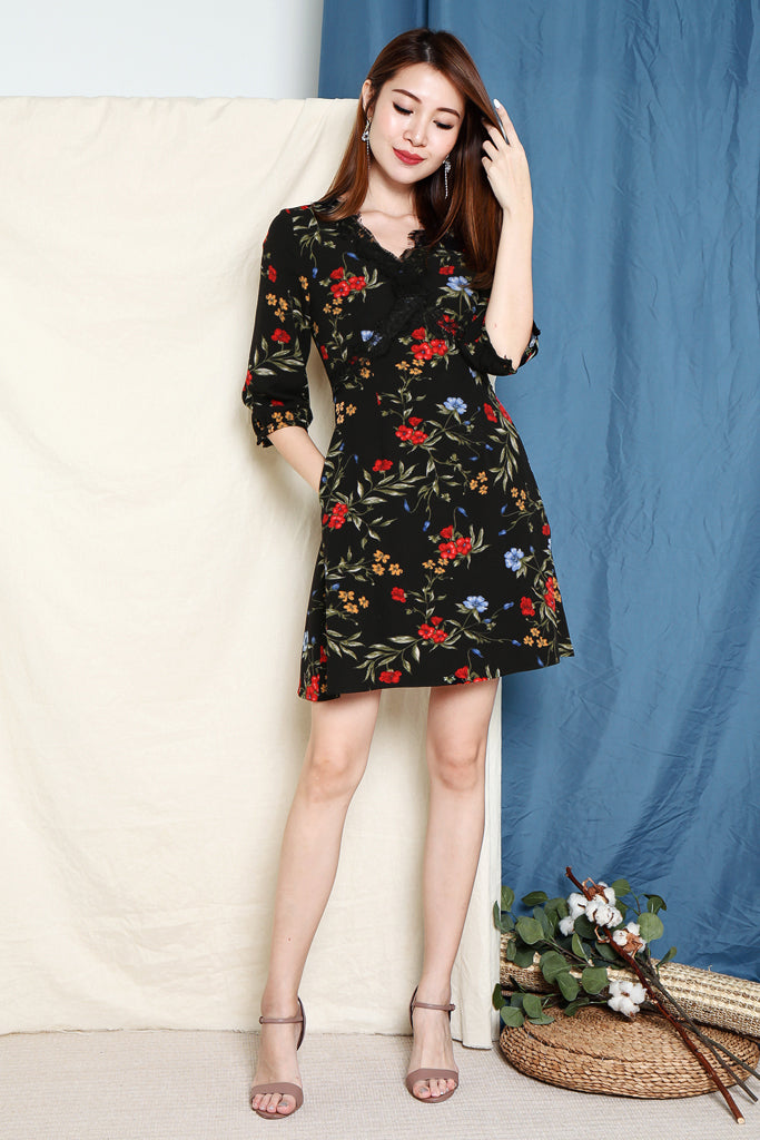 Olivia Floral V Lace Sleeved Dress - Black [S/M/L/XL]