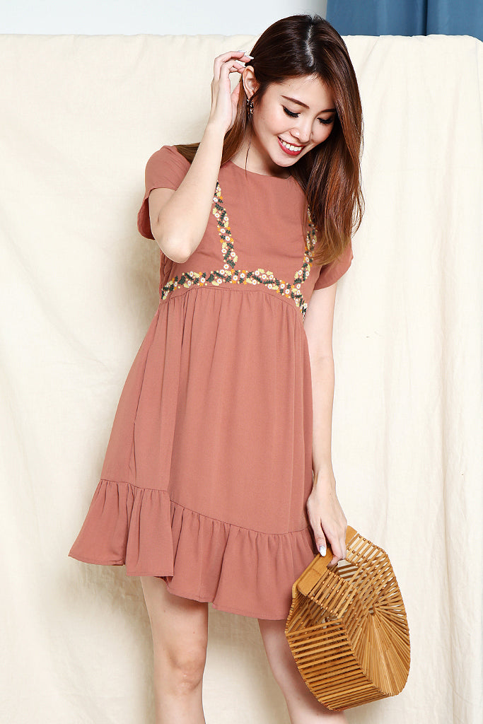 Margaret Embroired Tier Hem Dress - Tea Rose [S/M/L/XL]