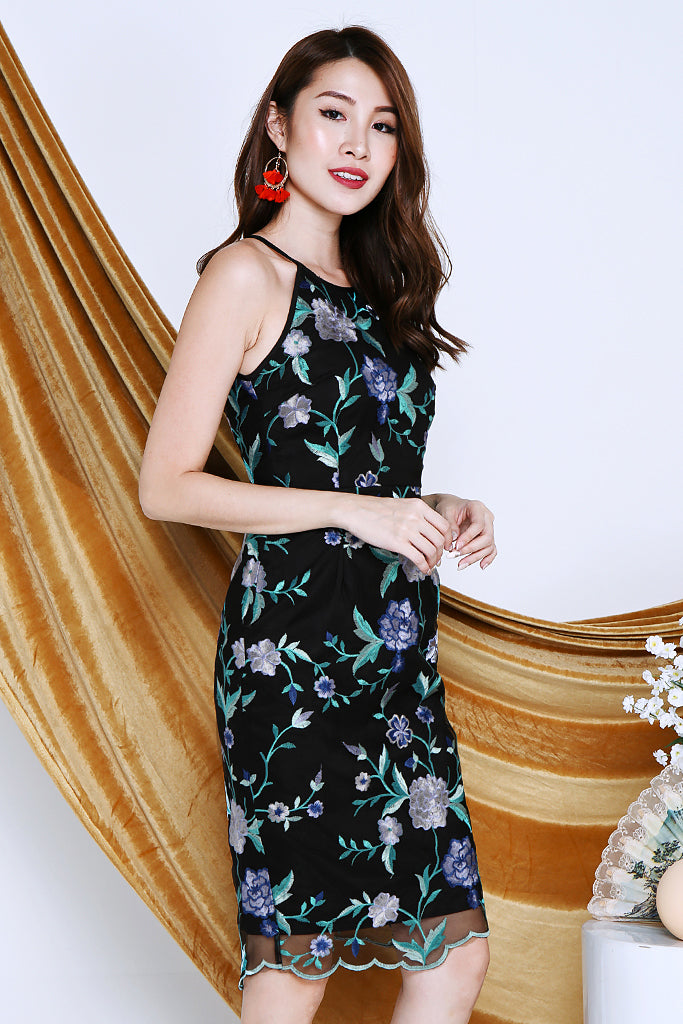 Saige Dark Floral Dress - Blue [S/M/L/XL]