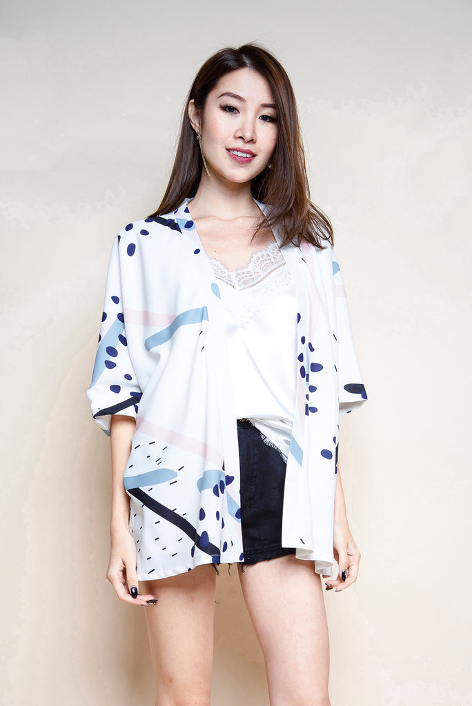 Monique Abstract Kimono Outerwear - White [S/M]