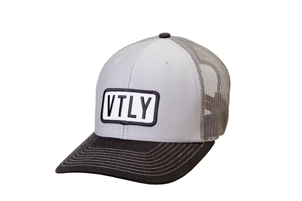 VTLY Trucker Snap-back Light Grey