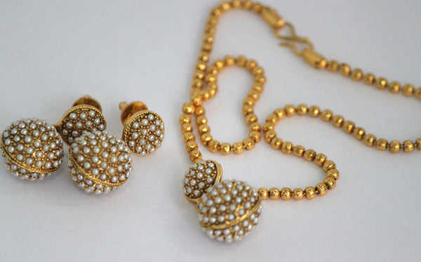 Antique Gold Plated Pearl Necklace Earring Set - SharePyar - 4