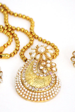 Elegant Gold Plated Fusion Necklace Set - Jewellery - SharePyar
