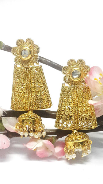 Elegant Polki Jhumka (Hindi: झुम्का) Earring Set - SharePyar