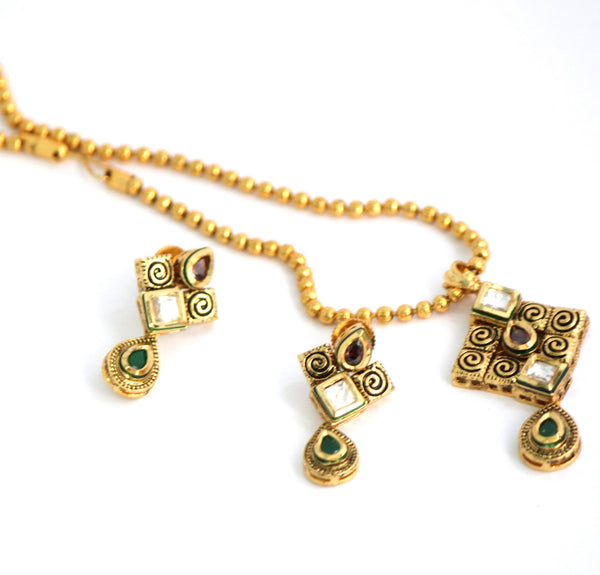 Gold Plated Traditional Kundan Necklace Set with Matching Earrings - SharePyar - 4