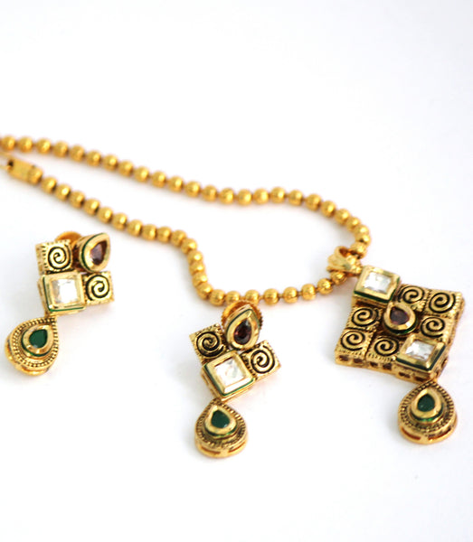 Gold Plated Traditional Kundan Necklace Set with Matching Earrings - SharePyar - 3