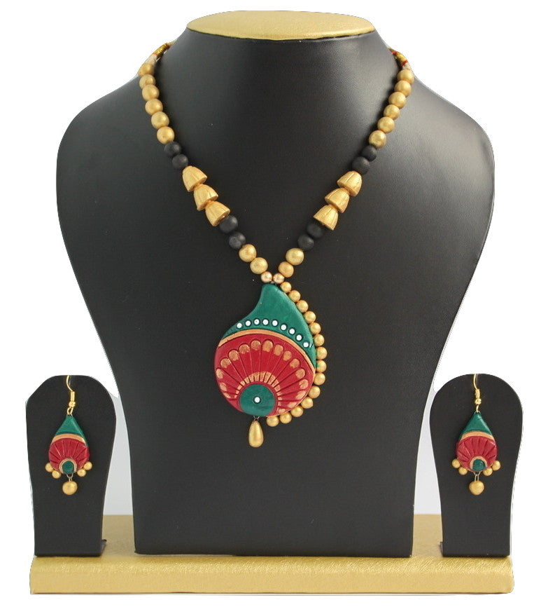 Handmade Terracotta Jewellery, Traditional Necklace Earring Set, Green & Red - Jewellery - SharePyar