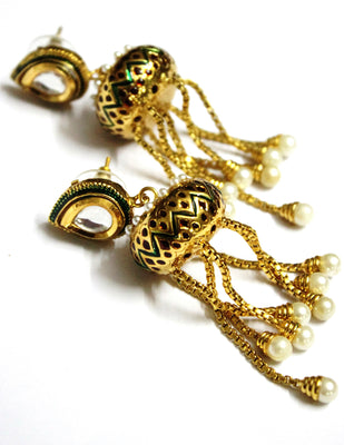 Kundan Kundal with Golden Tassel - Jewellery - SharePyar