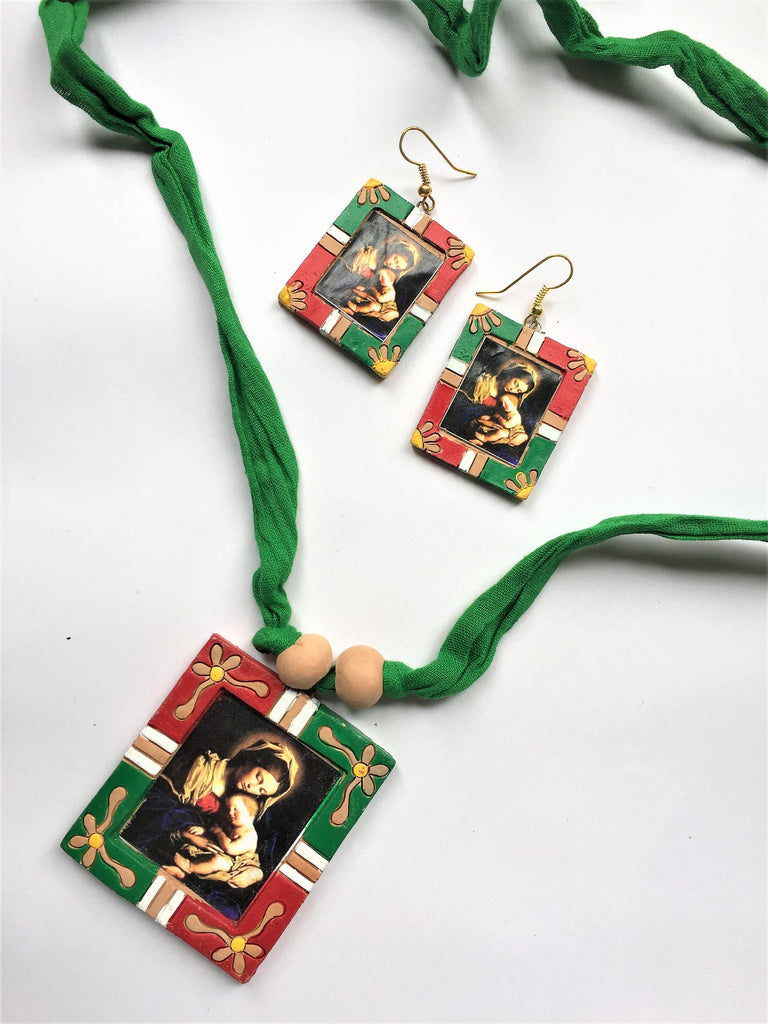 Mother Baby Terracotta Pendant Set