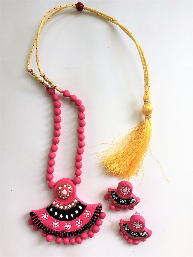 Pink Terracotta Flower Necklace Set