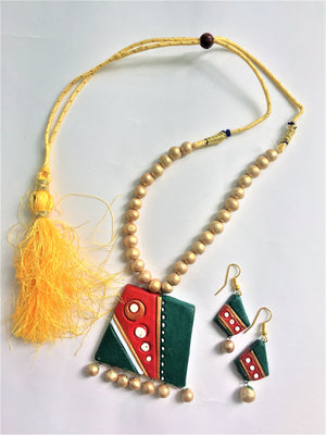 Rectangular Terracotta Necklace Set in Red and Green - Jewellery - SharePyar