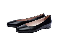 All leather classic flat black leather shoes. Removable comfort innersole. Rubber outsole.