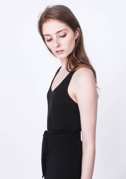 Ease in Jersey Waist Tie Dress (Black) - Moxie
