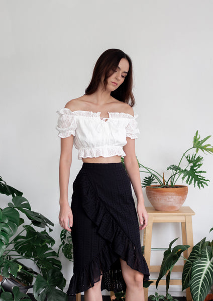 Ruffle Midi Skirt With Hi-Lo Hem (Black)