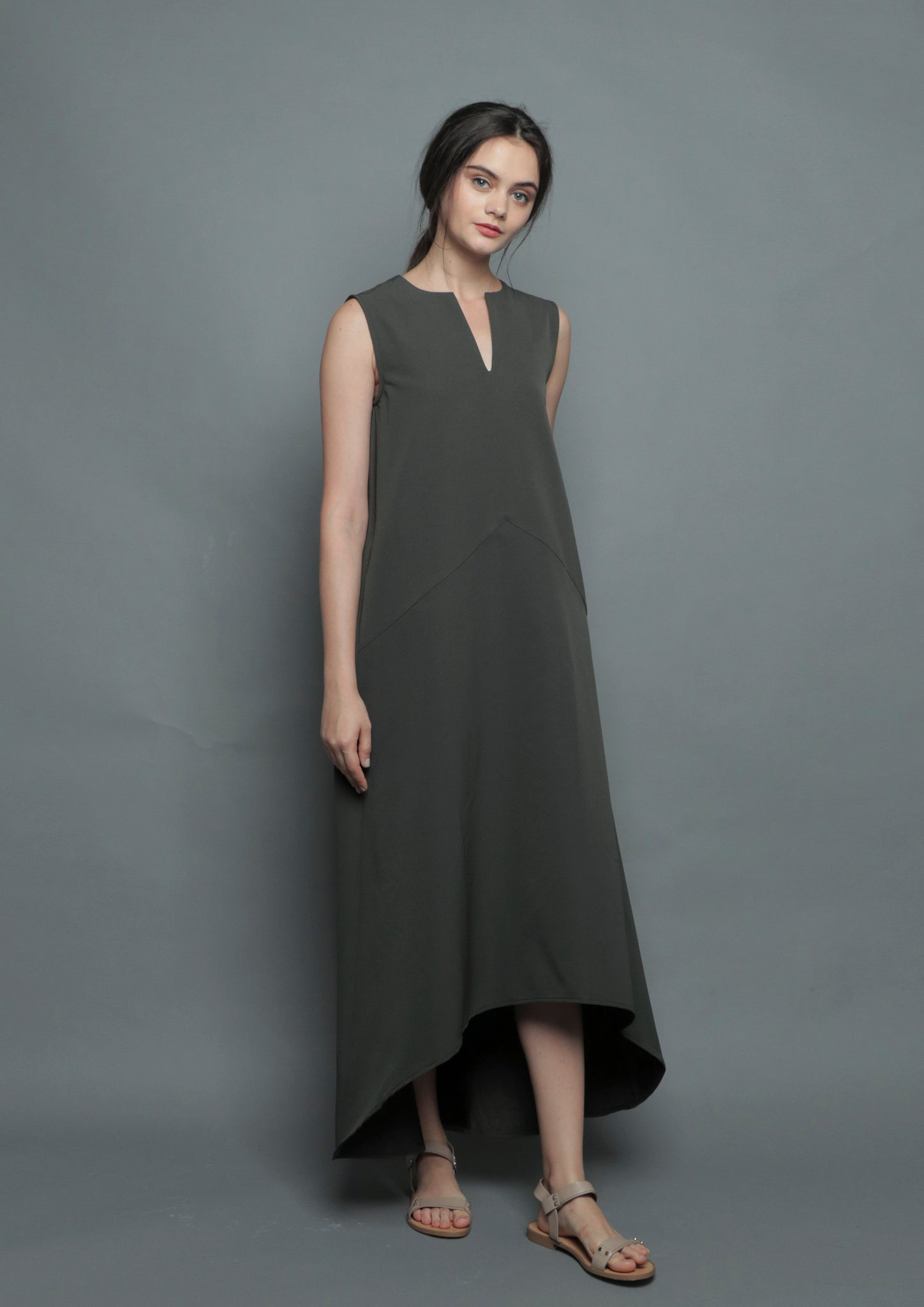 V-Neck Diphem Dress (Forest) - Moxie