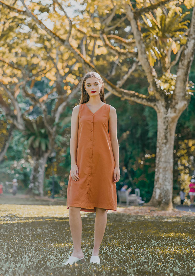 Sienna Sleeveless Shift Dress (Burnt Orange) - Moxie