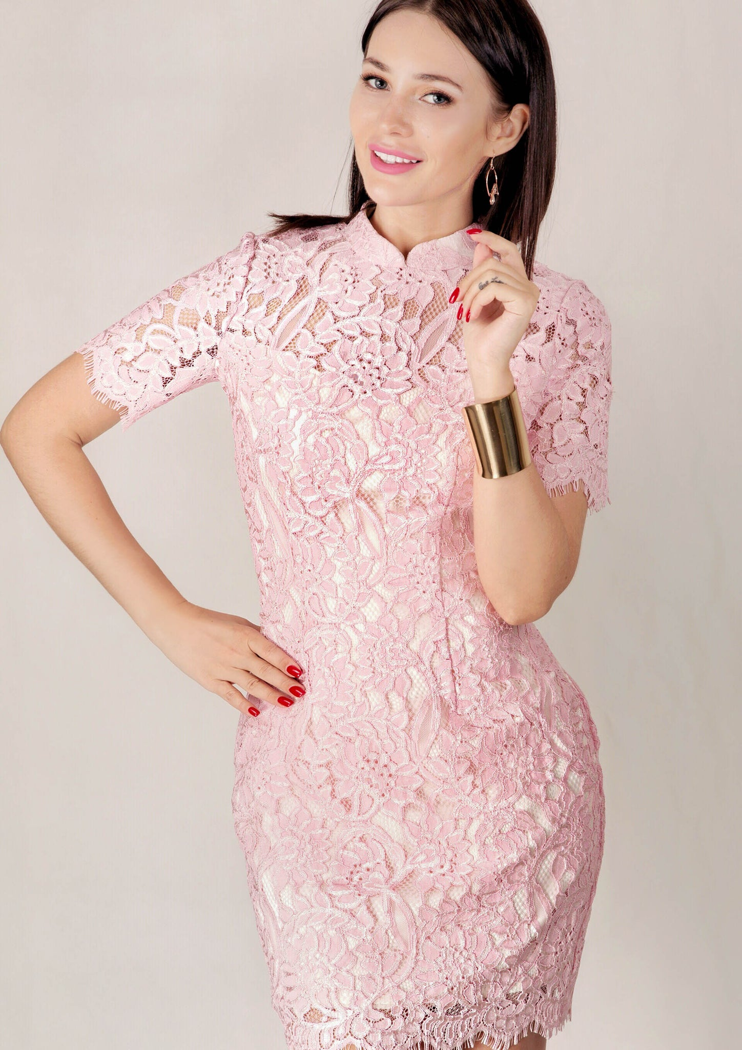 Lunar Short Sleeve Lace Qipao (Pink)