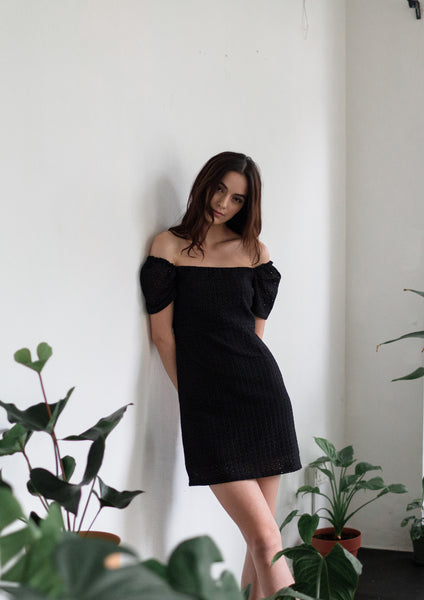 Straight Neckline Mini Dress (Black)