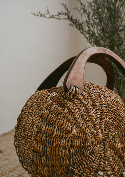 Anya Abaca Roundie Bag (Brown Natural) - Moxie