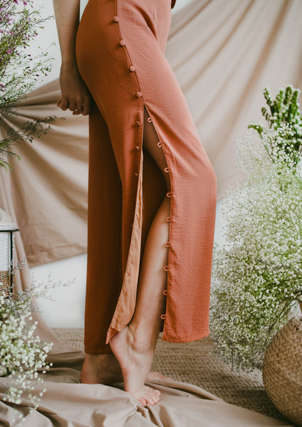 Tiana Button Pants (Rust)