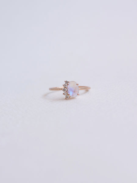 Beau Ring - Moonstone and Diamonds in 18k Rose Gold