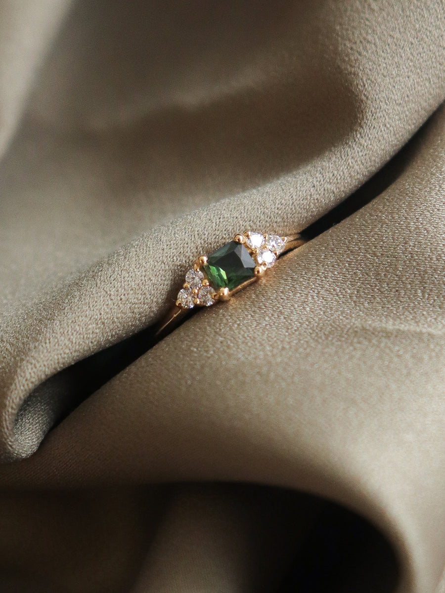 One-of-a-kind Companion Ring - Green Parti Sapphire and Diamonds in 18k Gold