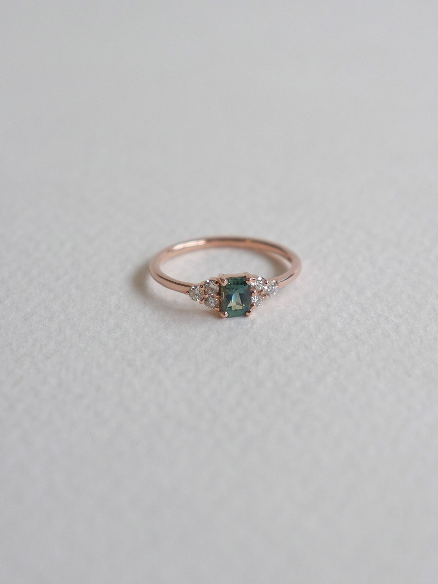 One-of-a-kind Companion Ring - Green Parti Sapphire and Diamonds in 18k Rose Gold