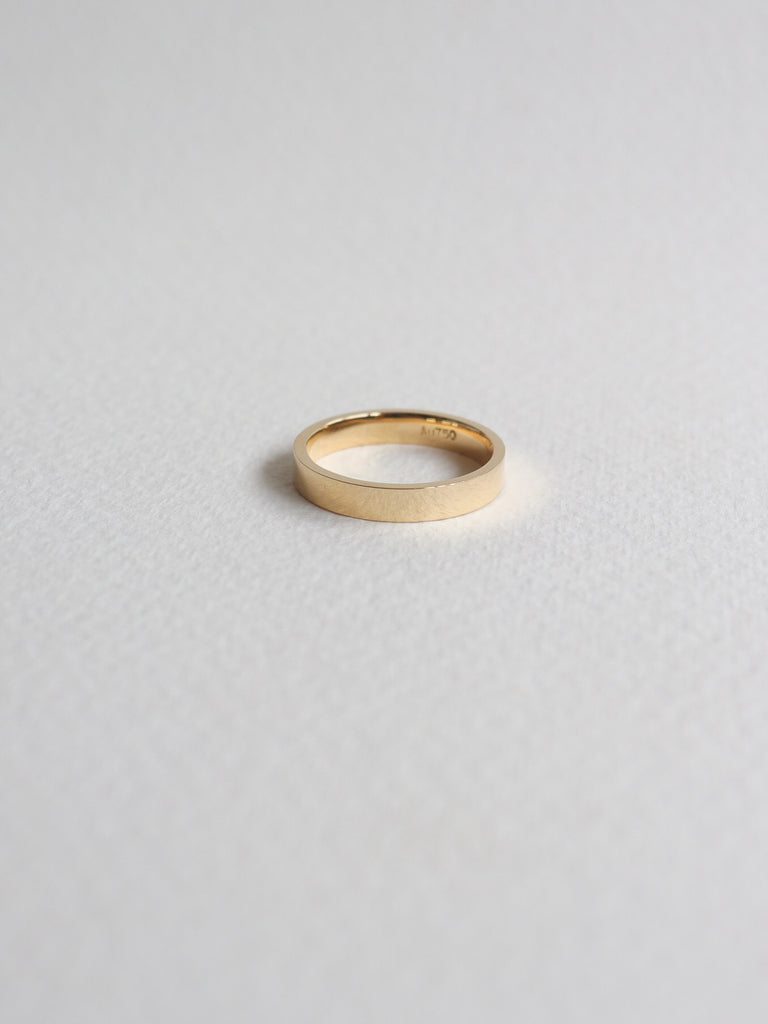 Pre-order Smooth Flat Band - 18k White / Yellow Gold