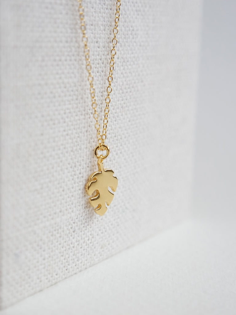 Monstera Pendant - Gold