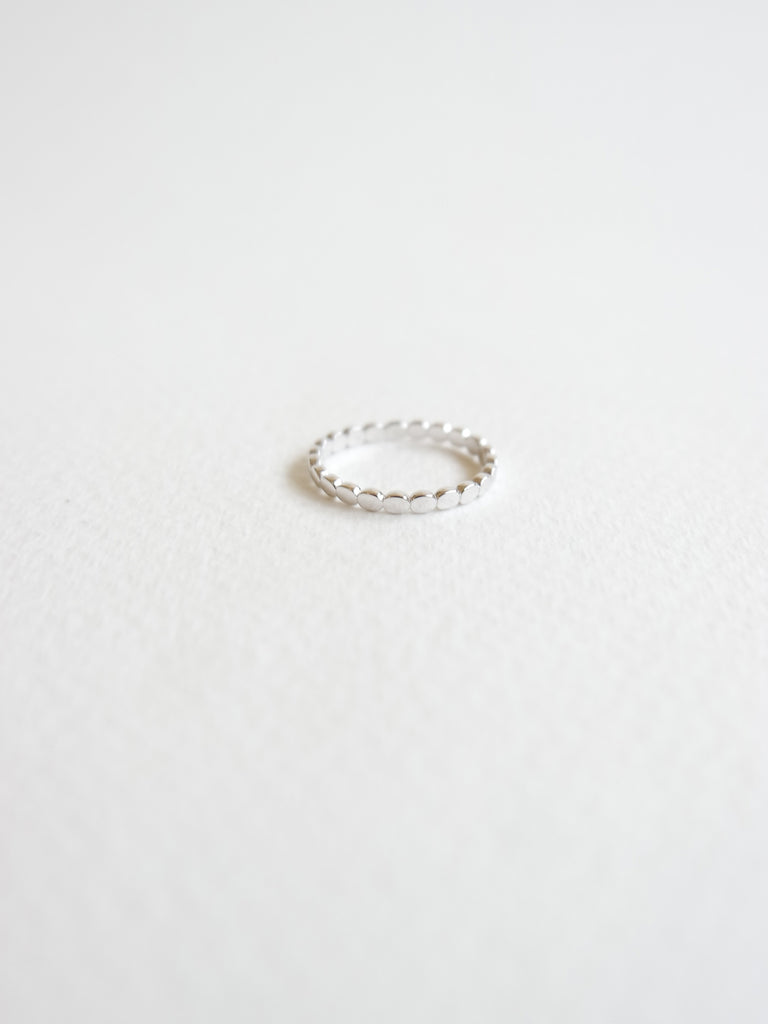 Dotted Ring in Silver