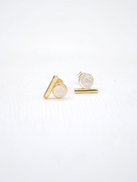 Bar Earstuds - Moonstone in Gold