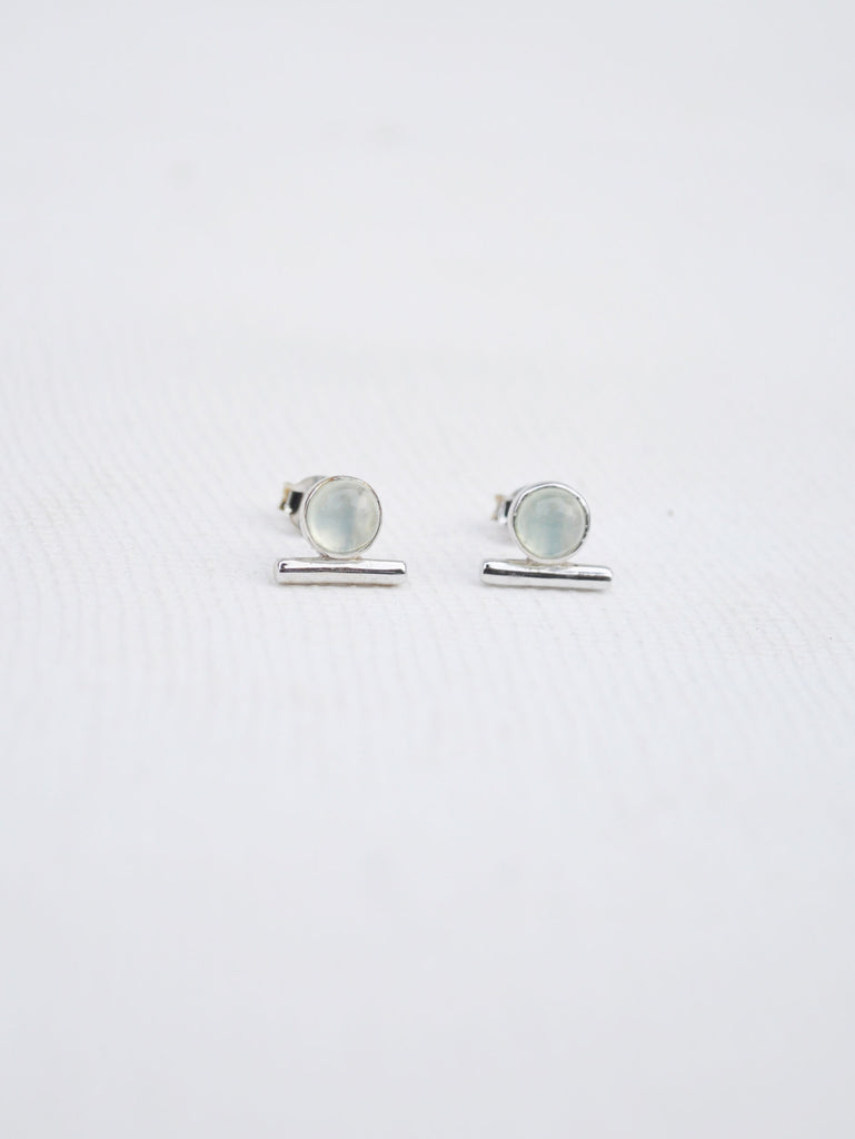 Bar Earstuds - Chalcedony in Silver