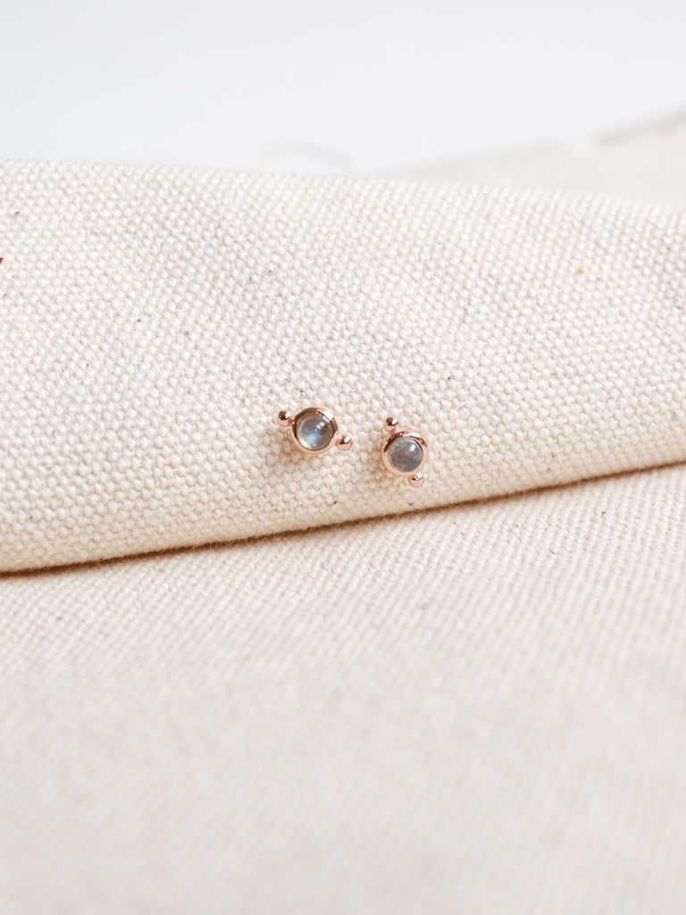 Flynn Earstuds - Labradorite in Rose Gold