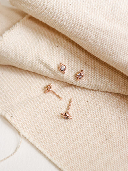 Flynn Earstuds - White Topaz in Rose Gold