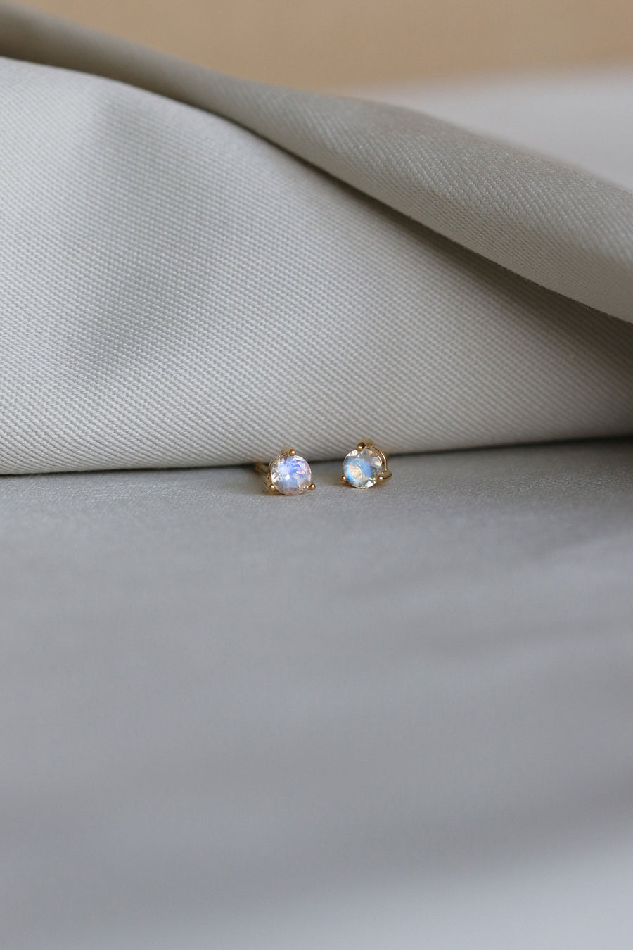 Mia Ear Studs - Moonstone (Gold)