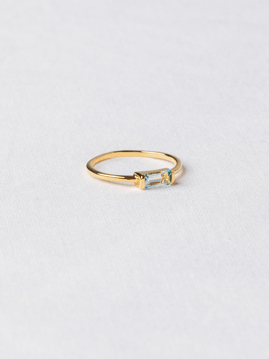 Joni Ring - Sky Blue Topaz (Gold)